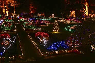 More Christmas lights at Shore Acres near Coos Bay - Wild Rivers ...